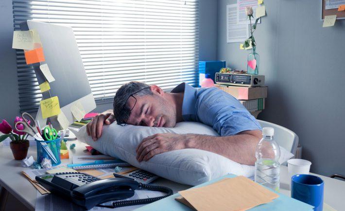 sieste-travail-fatigue-bien-etre