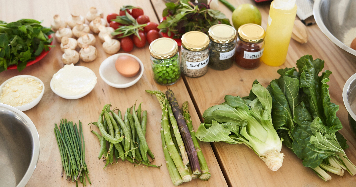 fruits, légumes, oeufs, fruits à coque, créales, légumineuses